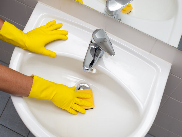 Cleaning wash basin keep wash basin clean tips to for Bathroom cleaning procedure