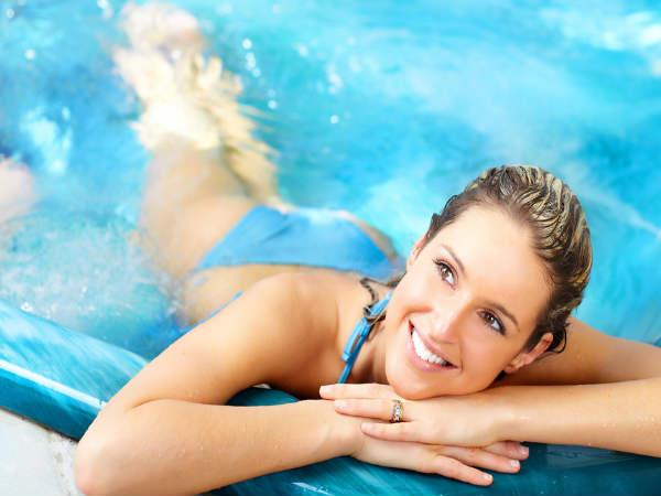 Does Swimming Tan Your Skin Boldsky Com