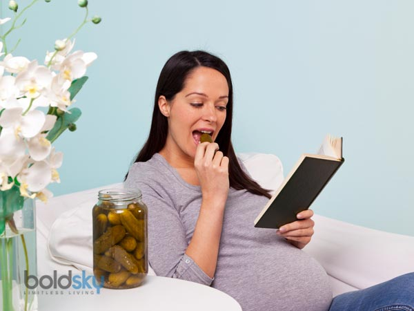 How To Prevent Pregnancy Flatulence- Woman Eating