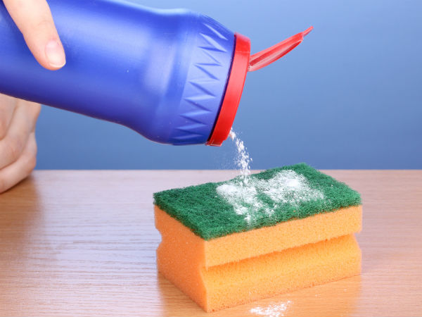 how to clean urine from a mattress with vinegar