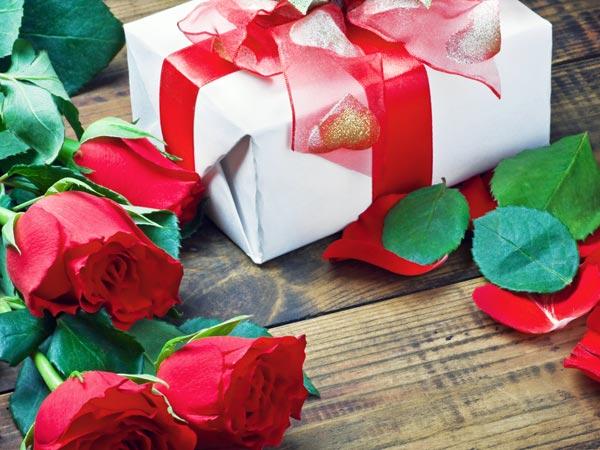 Wedding Night Gifts For Husband Boldsky Com