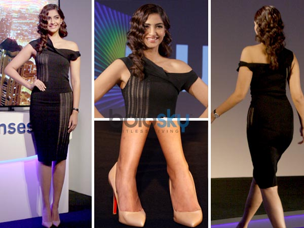 Sonam Looking Hot In Black Dress For Samsung Event Boldsky