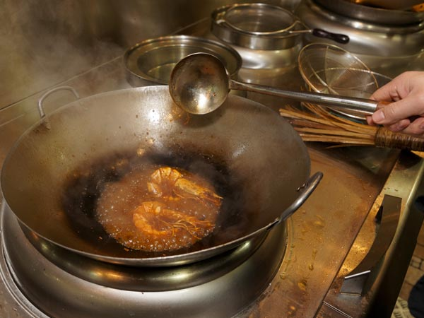 Why reusing cooking oil is unhealthy - Many times can reuse frying oil ...