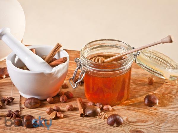 20 Uses Of Honey & Cinnamon Instead Of Sugar - Oneindia Boldsky
