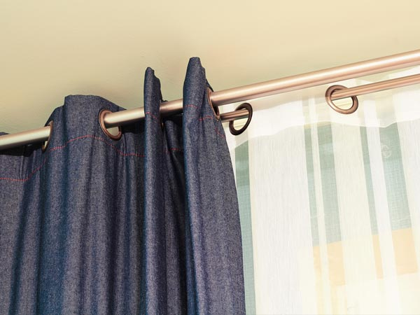 steps to wash clean your room curtains. Black Bedroom Furniture Sets. Home Design Ideas