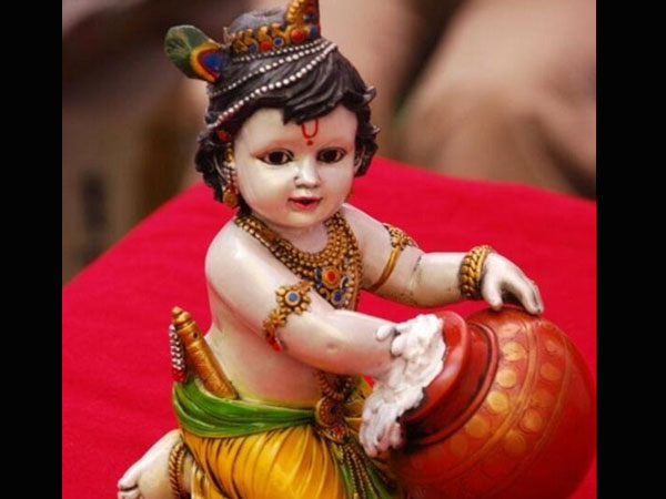 Decoration ideas for krishna idol janmashtami spcl for Baby palna decoration