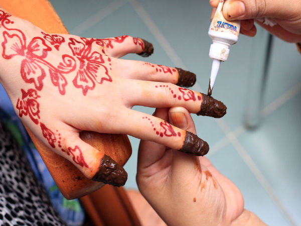 Mehndi For Nails : Ways to use henna for great nails boldsky
