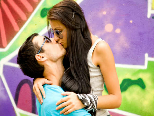 Romantic things to do while kissing