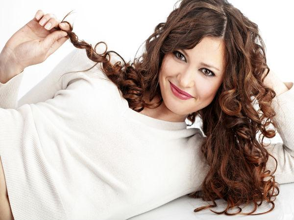 Easy Tips To Comb Curly Hair Straight