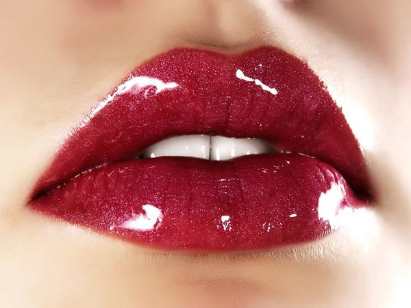 How to Make Your Lips Look Full - Boldsky.com