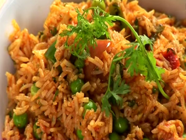 5 MInute Tomato Rice With Peas Recipe