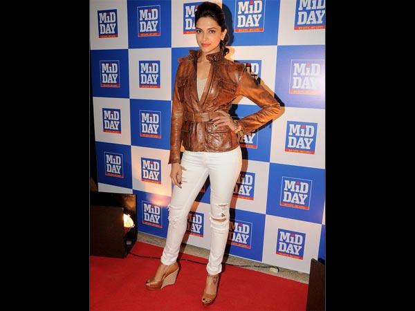 Deepika Padukone's Best Looks In Jeans - Boldsky.com