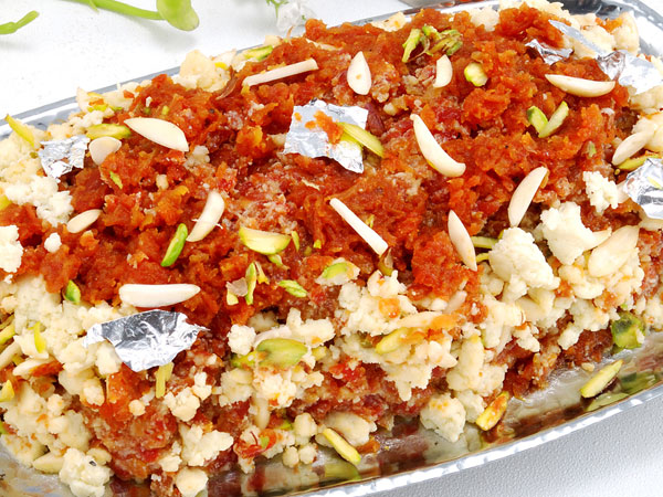 Gajar Halwa With Oats Tadka
