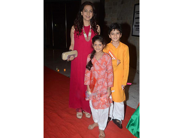 Juhi Chawla Blushes In Anita Dongre At Mahatma Screening