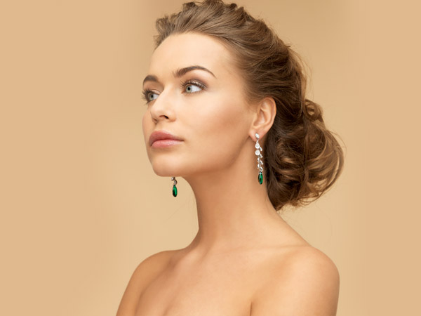 Diamond And Emerald Jewellery For Women