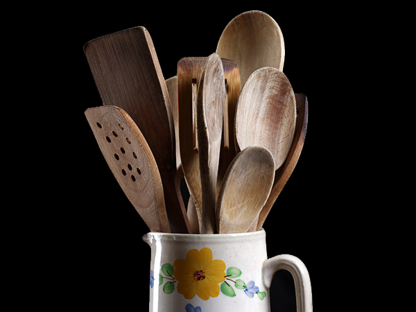 Home Remedies To Clean Wooden Utensils