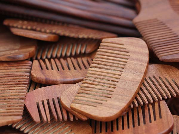 how to use hair combs