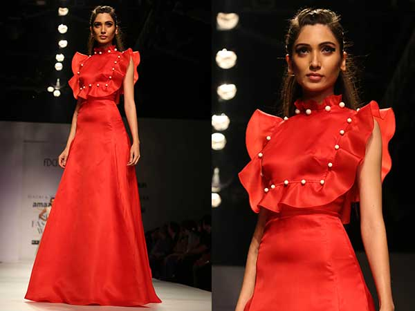 Gauri And Nainika Dazzle AIFW Stage