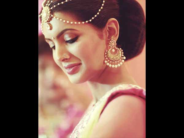 Style Tips To Steal From Harbhajan And Geeta's Mehendi Ceremony