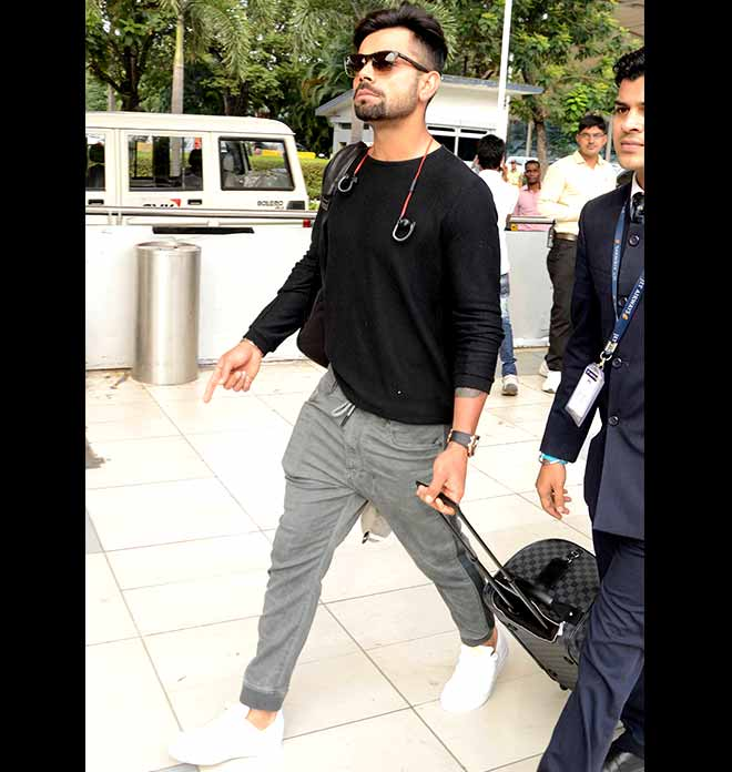 Travel-Vogue: Virat Kohli In Sweatpants