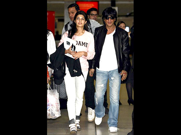 Get Shahrukh Khan's Airport Look