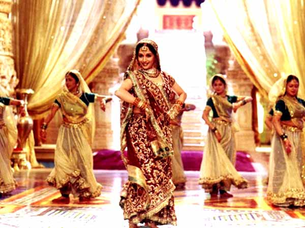 Bollywood Style Notebook: Madhuri's Gorgeous Looks From Devdas