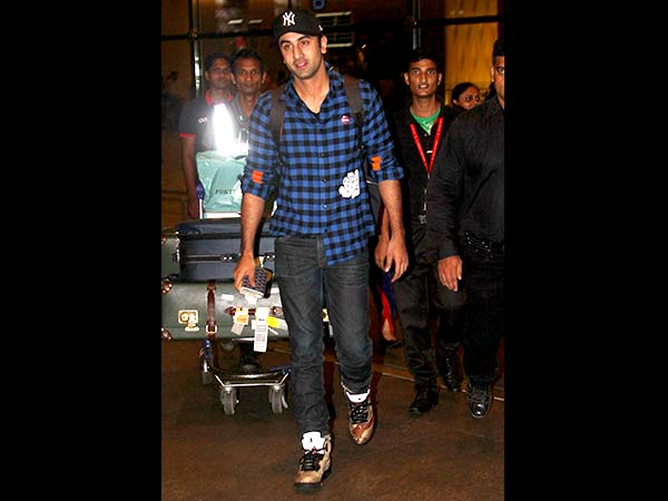 Travel Look: Ranbir Kapoor Aboard In Checks And Denim
