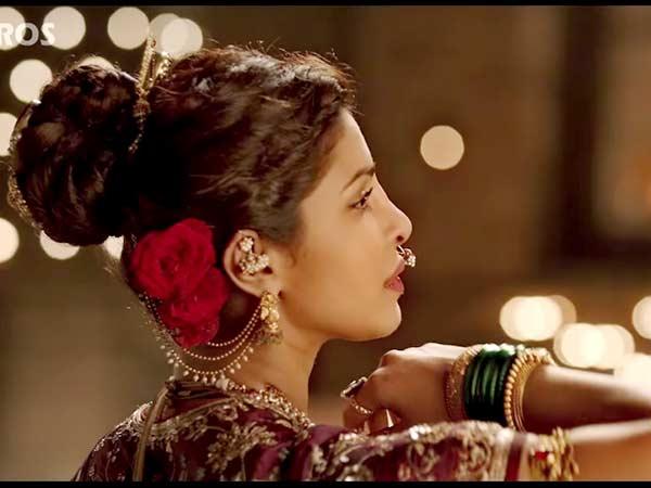 Bajirao Mastani: Priyanka And Deepika In Pinga - Boldsky.com