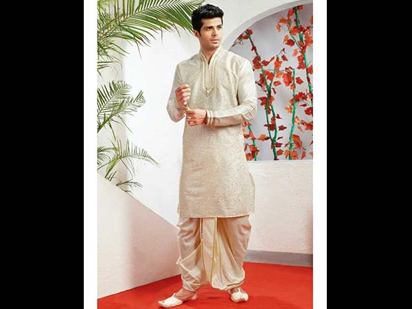 Festive Season: 3 Must Have Diwali Outfits For Men