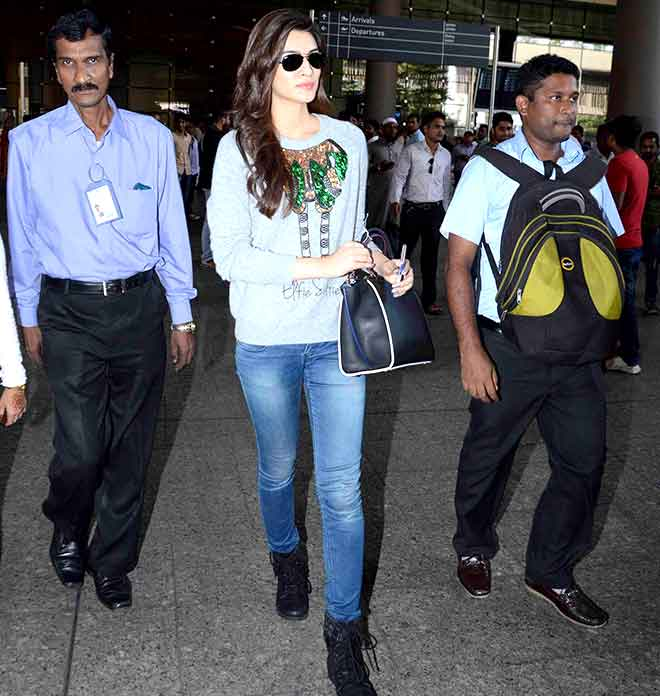 Kriti Sanon at the airport