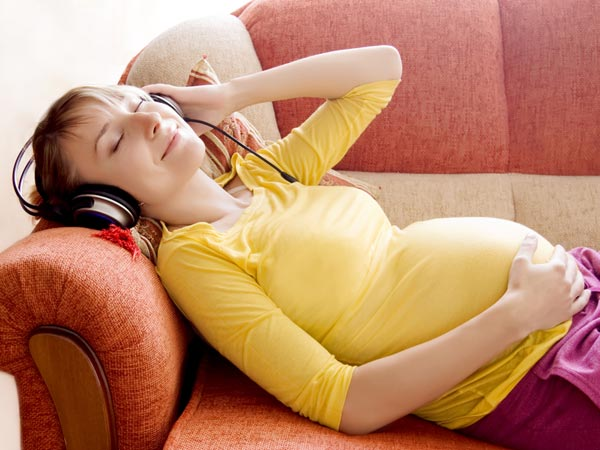 Childbirth In 20's- Pregnant woman Listening Music