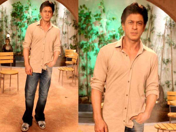 Shahrukh Khan at Dilwale promotion in beige.