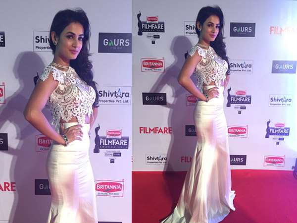 Sonal Chauhan Nite: Live From Filmfare Red Carpet 2016: Irresistible Outfits