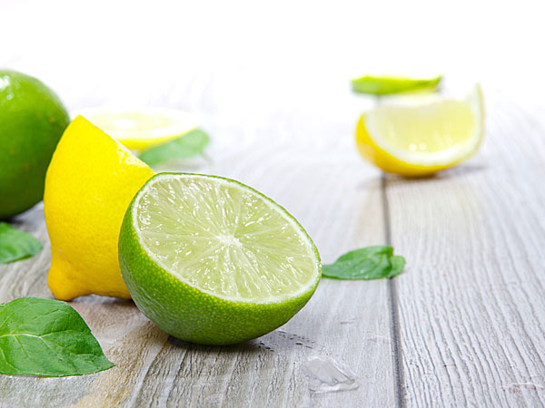 Reasons why you should use lemon on your feet
