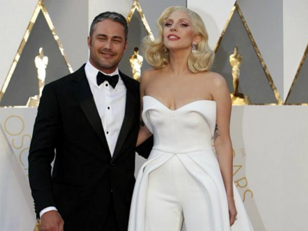 Oscars: Lady Gaga Illuminates In White