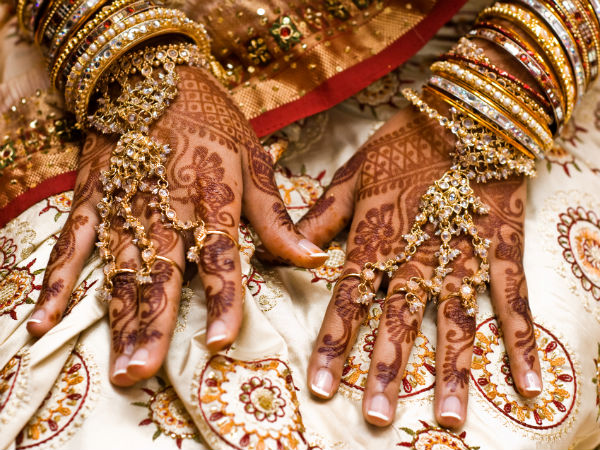 remove mehndi from hands fast