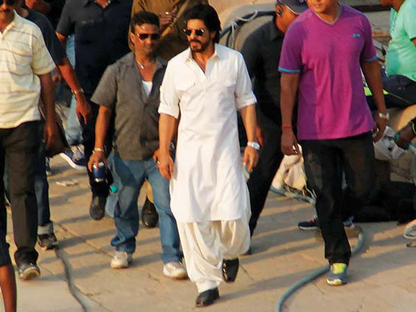 Image result for shahrukh khan raees