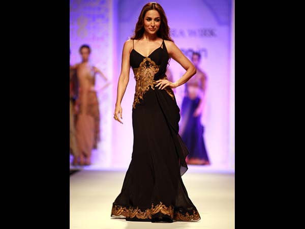 Malaika Arora Khan walks for Mandira