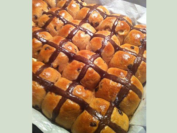 Hot Cross Chocolate Easter Bun Recipe