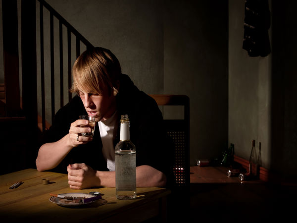 can alcohol cause acne