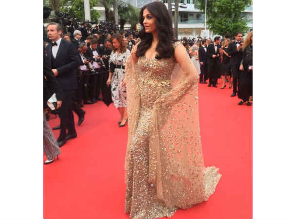 Aishwarya wore a Ali Younes cape gown