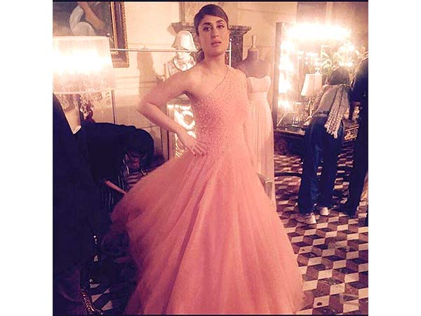 kareena in a manish malhotra