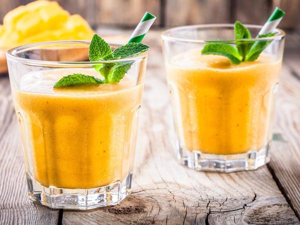 Smoothie mangga dan pisang