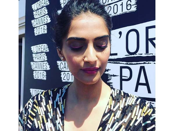sonam at press meet