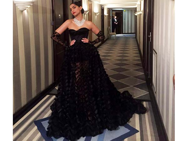 sonam at chopard party