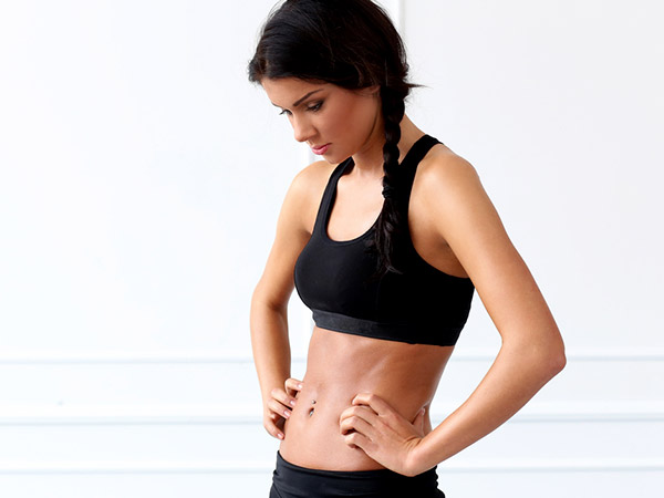 how to get flat stomach naturally