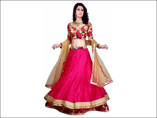 Lehenga For Mehndi Ceremony : Irresistible lehengas to steal the show at your friend s