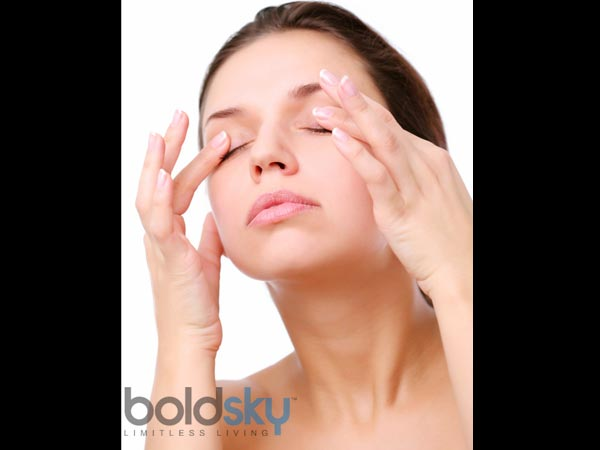 Massage And Reduce Dark Circles