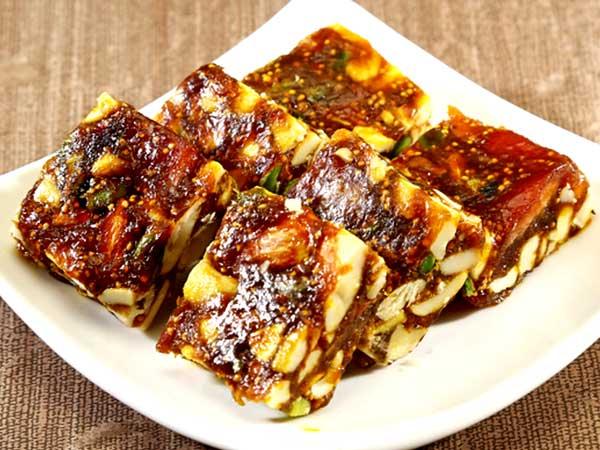 Delicious Dates Barfi Recipe Of Ramzan