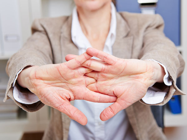 Ways to ease carpal tunnel